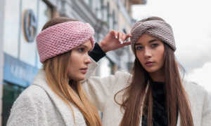 Повязка спицами на голову для девочек и женщин: описание вязания