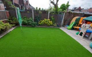Искусственная трава в рулонах – обзор напольных покрытий с характеристиками, производителями и стоимостью