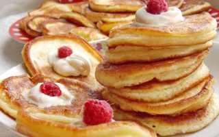 Оладьи на сметане – как приготовить сметанное тесто на дрожжах или соде по пошаговым рецептам с фото