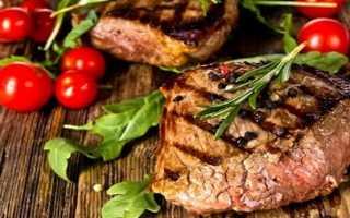 Бифштекс из говядины – как приготовить из рубленного мяса по рецептам в духовке и на сковороде с фото