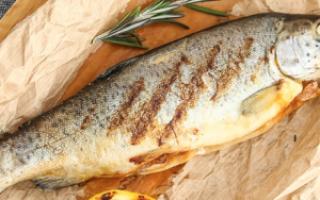 Форель запеченная в духовке: рецепты приготовления в фольге, рукаве, с картошкой и овощами (фото и видео)